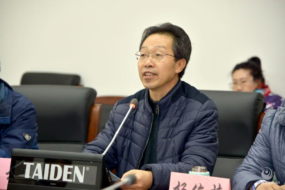 大同日报•文化周刊主任  冯桢