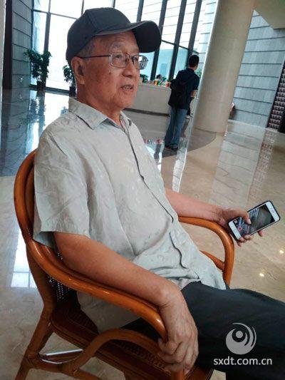中国敦煌吐鲁番学会顾问、丝绸之路专业委员会主任胡戟教授
