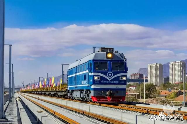 京张高铁昨日开始铺轨 京大高铁进入开通倒计时