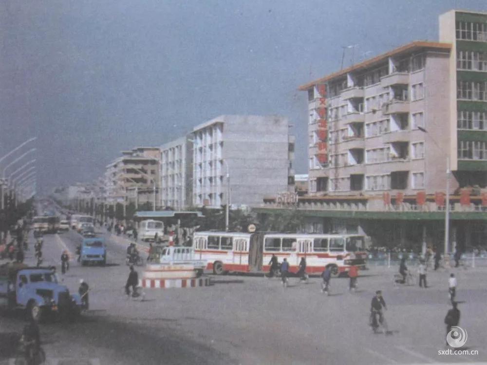 上世纪90年代大西街(东口)