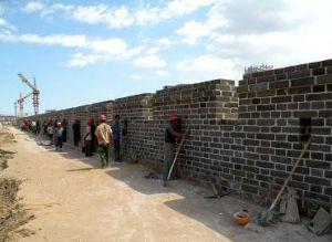修复中的大同东城墙新貌